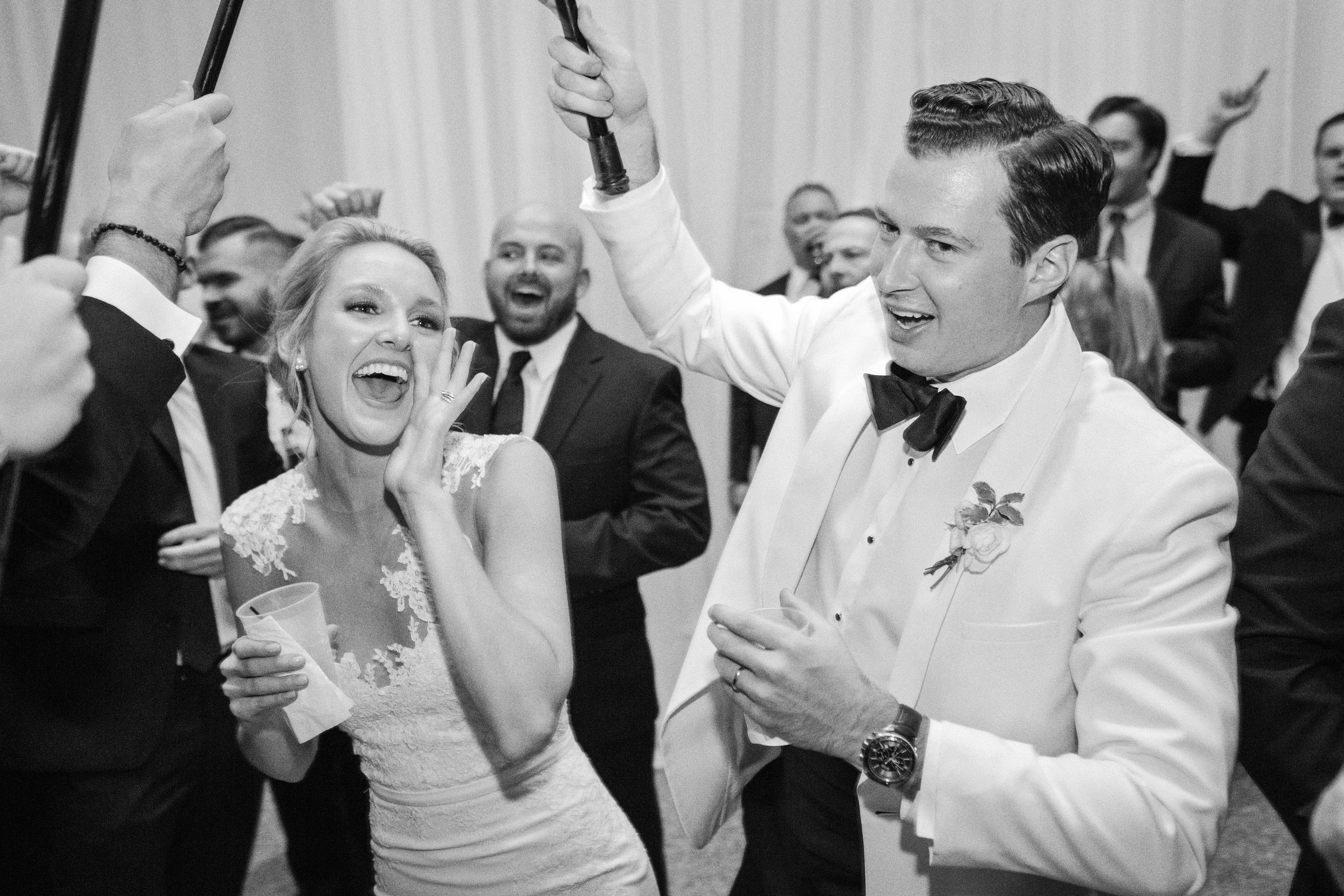 0544 Anna & John: A Clean and Modern Wedding at the Birmingham Museum of Art Uncategorized    invision_events, birmingham_al, auburn_al, alabama, atlanta_ga, atl, georgia, wedding_planner, wedding_designer, weddings, photography, wedding_planning
